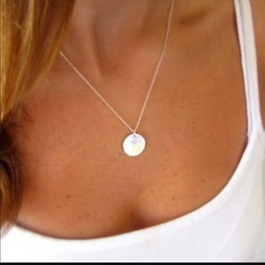 Jewelry - 1 left! Minimalist Circle Disc Necklace